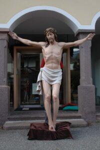 religious statues, religious figures, risen christ